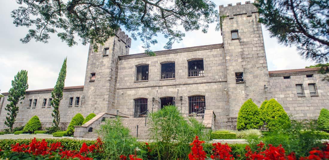 Resultado de imagem para Vinícola Castelo Medieval Chateau Lacave caxias